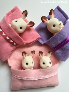 Simple felt sleeping bags for Sylvanian Families figures