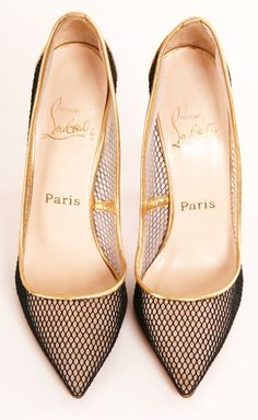Fashion*Shoes* | Rosamaria G Frangini 〽️|| Louboutin, via We  ♥ Shoes!                                                                                                                                                      Mais