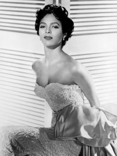 The first African-American leading lady to be nominated for a best actress Oscar Dorothy Dandridge.