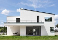 Berschneider + Berschneider, Architekten BDA + Innenarchitekten, Neumarkt: Wohnhaus L (2010), Altdorf Facade Architecture, Residential Architecture, Arch Interior, Interior And Exterior, Reforma Exterior, My Home Design, House On A Hill, Minimalist Home, Home Fashion