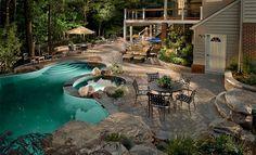 Perfect Backyard Retreat: 11 Inspiring Backyard Design Ideas luxurious backyard retreat with fancy p Sloped Backyard, Small Backyard Landscaping, Backyard Retreat, Backyard Patio, Landscaping Ideas, Backyard Paradise, Backyard Chickens, Budget Patio, Piscina Rectangular