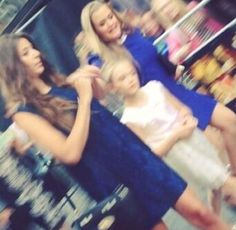 Eleanor,phoebe and Lottie today :) there all so cute together I can't wait for Louis and Eleanor to get married :)