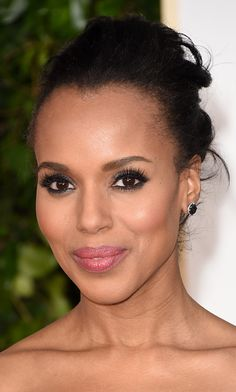 Kerry Washington  Note to self: brown eyes benefit from a dash of blue and navy eyeliner.  Photo: © Getty Images