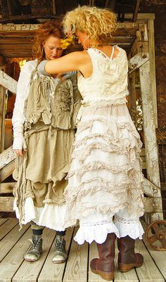 Magnolia Pearl Clothing - Page One Whimsical Fashion, Boho Fashion, Vintage Fashion, Fashion Design, Magnolia Pearl, Vintage Outfits, Boho Outfits, Shabby Chic Boutique, Böhmisches Outfit
