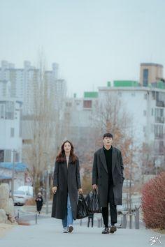 Movie Couples, Cute Couples, Series Movies, Movies And Tv Shows, Im Jin Ah Nana, Korean Tv Series, Big Men Fashion, Korean Couple, Foto Instagram
