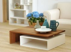 Lovely couch and coffee table Centre Table Design, Tea Table Design, Centre Table Living Room, Center Table, Coffe Table, Modern Coffee Tables, Miniature Furniture, Dollhouse Furniture, Barbie Room