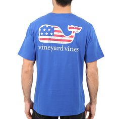 A lazy day at the beach reaches a whole new level of comfort with this comfortable Vineyard Vines t-shirt. Wear this with you favorite jeans or swim trunks for the perfect summer look. - 100% Cotton j