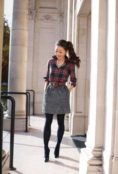 Holiday work outfit // Christmas plaid print mixing preppy office holiday style // classic christmas party outfit The post Holiday work outfit // Christmas plaid print mixing & style Inspiration. appeared first on Outfits . Winter Outfits For Work, Winter Fashion Outfits, Holiday Fashion, Autumn Fashion, Holiday Style, Fall Work Fashion, Fall Work Clothes, Winter Work Shoes, Formal Winter Outfits