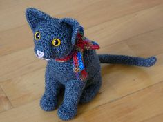 Ravelry: Cat: Sitting pattern by Roswitha Mueller FREE! Crochet Pattern Free, Crochet Patterns, Ravelry Crochet, Gato Crochet, Crochet Dolls, Amigurumi Patterns, Doll Patterns, Art Textile, Knitted Animals