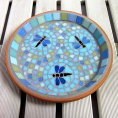 Vintage Fabric Look Mosaic House Number Plaque Sign Dragonfly Dance Mosaic Garden Bird Bath Mosaic Birdbath, Mosaic Tray, Mosaic Garden Art, Mosaic Tile Art, Mosaic Flower Pots, Mosaic Birds, Mosaic Crafts, Mosaic Projects, Mosaic Glass