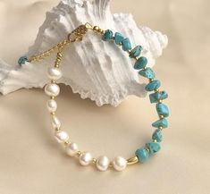 Gemstone Bracelets, Gemstone Jewelry, Beaded Jewelry, Beaded Necklace, Jewellery, Pearl Necklace Designs, Bracelet Designs, Turquoise Bracelet, Turquoise Beads