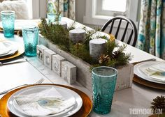 box of greens and birch candles House of Turquoise: The DIY Mommy Turquoise Christmas, Coastal Christmas, Christmas 2014, Vintage Christmas, Christmas Ideas, Merry Christmas, Christmas Table Settings, Christmas Tablescapes, Christmas Centerpieces