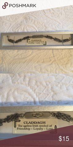 Claddagh bracelet ☘️ Pretty pewter claddagh bracelet NIB ☘️ Jewelry Bracelets