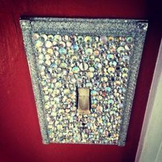 bling your light switch!! Im gunna do this to all the light switches when the boys are gone. Hahahaha(: