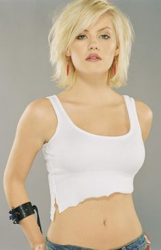 Visit this awesome Elisha Cuthbert Beauty gallery.