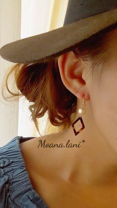 コットンパールとべっ甲風ピアス(ひし形タイプ) Button Earrings, Diy Earrings, Earrings Handmade, Handmade Jewelry, Handmade Accessories, Jewelry Accessories, Beautiful Earrings, Jewerly, Clay