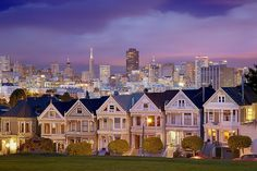 Run up the hill just like the cast of Full House & get our picture taken. #nerd.