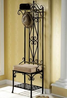 meuble vestiaire, design en fer forgé                                                                                                                                                                                 Plus