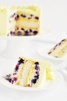 lemon blueberry cake, lemon frosting, lemon curd filling