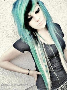 Emo girl with blue, black, and blonde hair. Emo Scene Hair, Emo Hair, Cute Scene Hair, Blonde Scene Hair, Dye My Hair, Green Hair, Blue Hair, White Hair, Blue Green