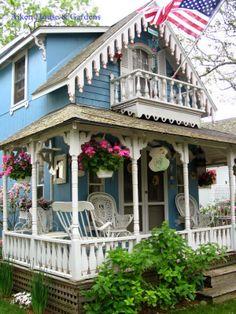 Aiken House & Gardens: The Charming Cottages of Oak Bluffs