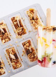 Frühstück in Eisform: Joghurt Parfait mit Müsli