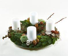 Adventskrans med hvide bloklys