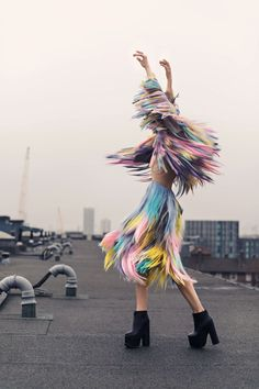 New Fashion Editorial Photography Inspiration Pastel Ideas Foto Fashion, Fashion Art, Editorial Fashion, Fashion Design, Street Fashion Shoot, Trendy Fashion, High Fashion Shoots, Fringe Fashion, Photoshoot Fashion