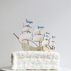 Sailing Ships cake topper via GREAT.LY.