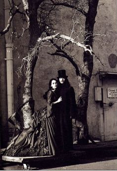Net Photo: Publicity of Winona Ryder and Gary Oldman in Bram Stocker´s Dracula Image ID: . Pic of Winona Ryder and Gary Oldman - Latest Winona Ryder and Gary Oldman Image. Gary Oldman, Winona Ryder, Bram Stoker's Dracula, Count Dracula, Dracula Movie 1992, Vampire Dracula, Movies Showing, Movies And Tv Shows, Mina Harker