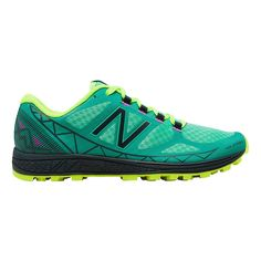Reach the summit far ahead of the pack in the newest race-day trail, the Womens New Balance Vazee Summit