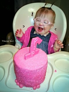 First Birthday- #firstbirthday, #pinkcake, #babyglasses, Happy Soul Project