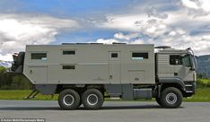 Mobil Globecrusier 7500 Family: Off-road luxury camper for global cruisers Overland Truck, Overland Trailer, Expedition Vehicle, Off Road Camper, Truck Camper, Motorhome, Luxury Campers, Luxury Rv, Motorcycle Camping