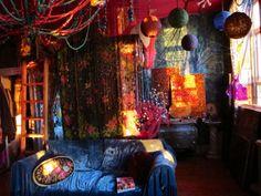 Gypsy bedroom, so pretty!!
