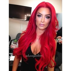 Eva Marie from Total Divas on E! Lovin not only her striking red hair, but also her fab makeup!!