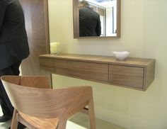 toaletni stolek - Hledat Googlem