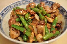 The Fit Daffy: Recipe: Stir-Fried Pork with Mushrooms and Green Beans