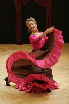 Cécile professeur de l'académie classique et danse de caractère