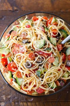 Party Summer Salads To Amaze Your Guests Cold Italian Spaghetti Salad Save Print Recipe type: Salad Cuisine: American Ingredients 1 lb. Thin spaghetti, broken into thirds 1 bottle Italian salad dressing 2 tablespoons McCorm for parties Italian Spaghetti Salad Recipe, Cheese Spaghetti, Italian Pasta, Cold Spaghetti Salad, Summer Spaghetti, Spagetti Salad Recipes, Side Salad Recipes, Summer Salad Recipes, Recipe For Salad