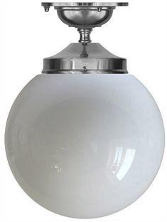 Badrumslampa Ekelundsfäste 100 i förnicklad mässing med opalvit skärm - klassisk taklampa för badrum. Välkommen in till Sekelskifte och våra lampor i klassisk stil!
