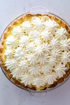 Creamy, perfectly set banana cream pie is a joy to eat and a seriously impressive dessert. Made with an easy, homemade crust, this pie is simply perfection. Impressive Desserts, Easy Desserts, Fruit Recipes, Baking Recipes, Sweets Recipes, Chocolate Meringue Pie, Milk Tart, Baked Donuts, Banana Cream