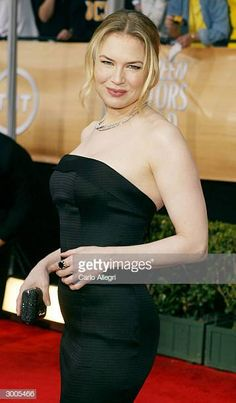 Actress Renee Zellweger attends the Annual Screen Actors Guild Awards on February 2004 at the Shrine Auditorium, in Los Angeles, California. Get premium, high resolution news photos at Getty Images Indian Actress Hot Pics, Indian Actresses, Renee Zellweger, February 22, Girl Celebrities, Prom Dresses, Formal Dresses, Body Shapes, Eye Candy