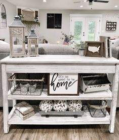 33 Amazing Sofa Table Decor Ideas You Should Try Home Living Room, Living Room Decor, Bedroom Decor, Modern Bedroom, Sofa Table Decor, Couch Table, Foyer Decorating, Decorating Ideas, Country Farmhouse Decor