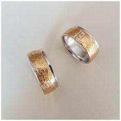 Duas alianças em Ouro de 9 K Wedding Rings, Engagement Rings, Jewelry, Gold Wedding Rings, Enagement Rings, Jewlery, Jewerly, Schmuck, Jewels