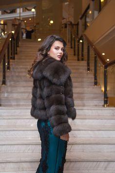 Fur Fashion, Fashion Photo, Sable Fur Coat, Fabulous Furs, Fur Jacket, Style Guides, Street Style, Style Inspiration, Lady