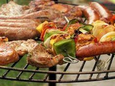 Jak se připravit na grilování | rady a tipy Sausage, Bbq, Meat, Food, Barbecue, Barrel Smoker, Sausages, Essen, Meals