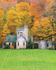 """CLEVELAND BABY! See the """"Squire's Castle"""" in our 14 Fairy-Tale Castle Wedding Venues in America gallery"""