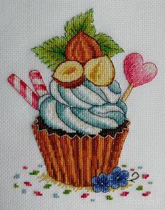 Cupcake Cross Stitch, Xmas Cross Stitch, Cross Stitch Flowers, Cross Stitching, Cupcake Art, Art Cupcakes, Cross Stitch Designs, Cross Stitch Patterns, Embroidery