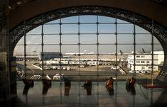 Paris Airport Guide: Charles de Gaulle, Paris Orly, and Paris Beauvais Flights To Paris, Best Flights, Paris Airport, Heathrow Airport, International Flights, International Airport, Paris Orly, Beauvais, Gaulle