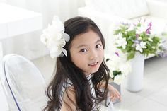 Check out this item in my Etsy shop https://www.etsy.com/listing/449836092/chiffon-flowers-hair-clips-kids-hair